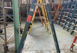 Bailey Step Ladder 2.1 Meter Fiberglass Industrial 6 Rung
