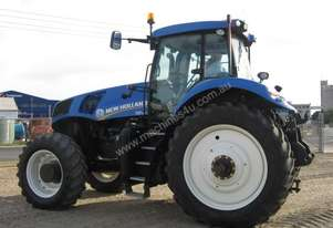 New Holland T8.390 FWA/4WD Tractors