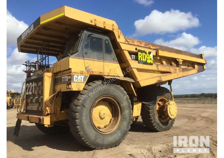 2000 Cat 777D Off-Road End Dump Truck