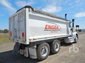 INTERNATIONAL 9900 Tipper Truck (T/A) - picture1' - Click to enlarge