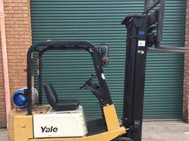 Forklift Cheap Low Hours - picture0' - Click to enlarge
