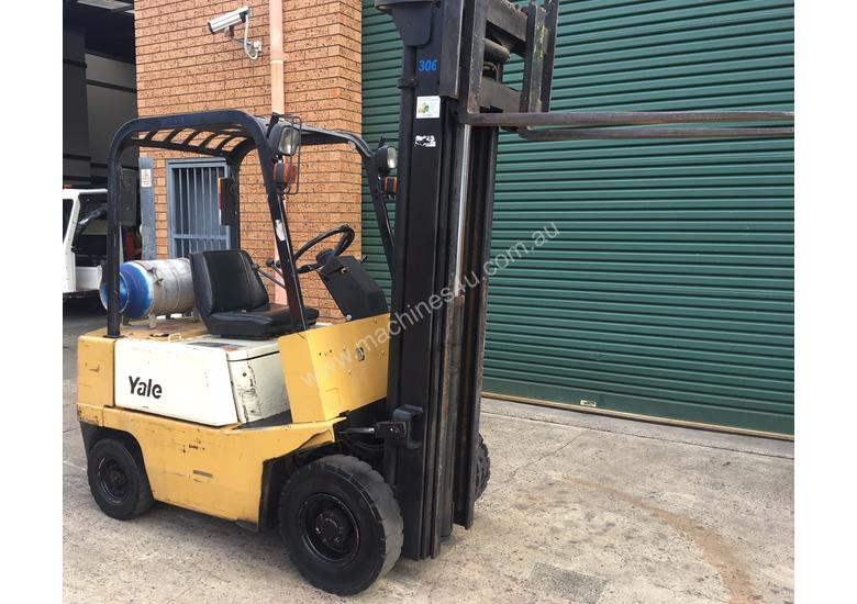 Forklift Cheap Low Hours