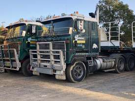 antique truck and mack trucks and mack parts for sale - picture4' - Click to enlarge