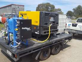 MOBILE DUSTLESS BLASTING TRAILER - picture2' - Click to enlarge