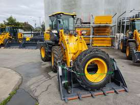 NEW 2018 VICTORY VL200XL WHEEL LOADER - picture0' - Click to enlarge