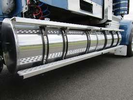 Kenworth T909 Primemover Truck - picture11' - Click to enlarge
