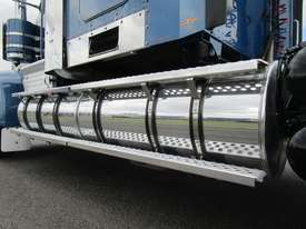 Kenworth T909 Primemover Truck - picture4' - Click to enlarge
