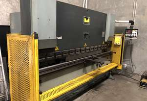 Hafco Metalmaster NC press brake 3.2m 63T