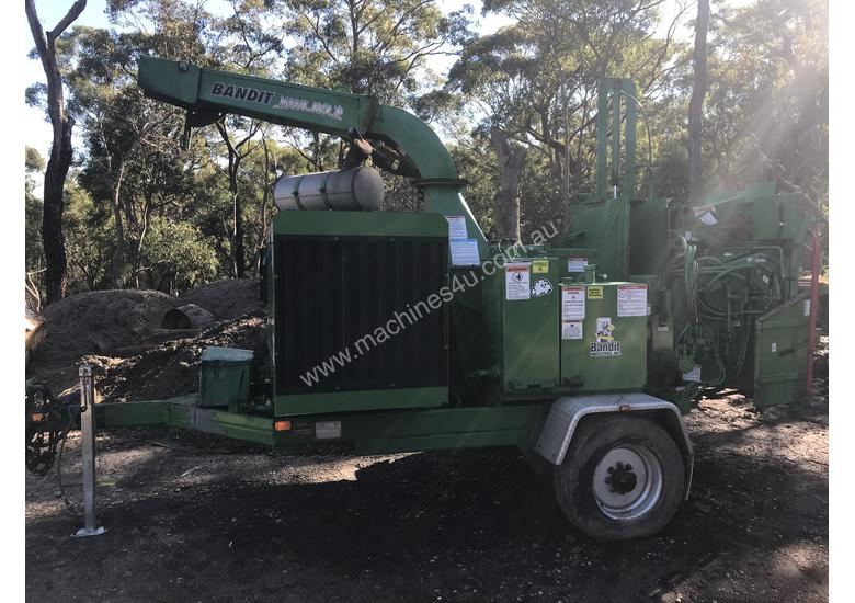 Bandit woodchipper  1890xp, Same as the New 19XP only 4 years old. 1450hrs