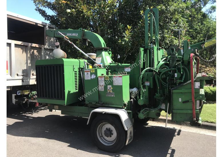 Bandit woodchipper  new 1890xp 213 hp 1450hrs big engine and infeed, 5.2 tonne air brakes landclears