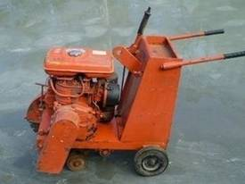 Hydraulic & Petrol Concrete Cutter - picture1' - Click to enlarge