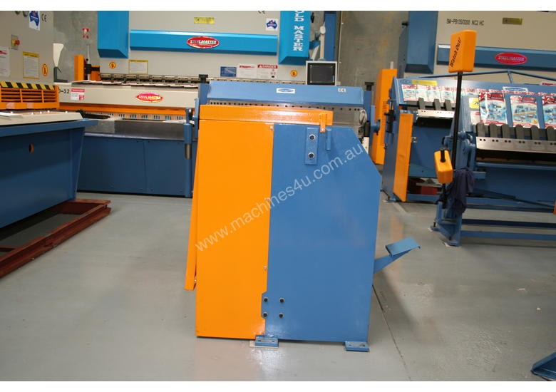 Just In - Education Model 1270mm x 1.6mm Foor Operated Guillotine