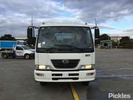 2010 Nissan MKB37A - picture1' - Click to enlarge