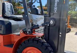 Lonking World Class Construction Machinery Supplier 3.0T Capacity Forklift