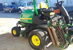 John Deere 8700 Precision Cut Fairway Mower