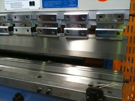 PRESSBRAKE HYDRAULIC NC - BEST PRICES GUARANTEED  - picture4' - Click to enlarge