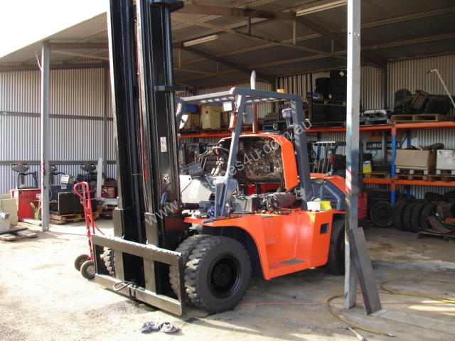 FORKLIFT TCM TOYOTA CROWN FD80Z8 HIRE OR BUY