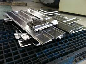 Pressbrake Single Vee Bottom Tooling - 835m Length - picture4' - Click to enlarge