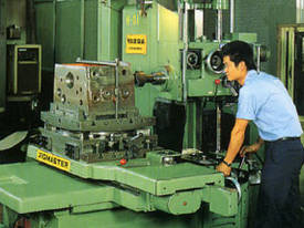 Ajax Chin Hung 560, 660 &760mm High Quality Lathes - picture6' - Click to enlarge