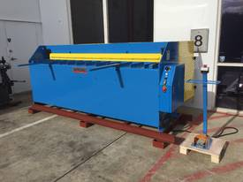 STEELMASTER 2500MM X PANBRAKE GUILLOTINE COMBO - picture15' - Click to enlarge