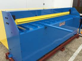 STEELMASTER 2500MM X PANBRAKE GUILLOTINE COMBO - picture0' - Click to enlarge