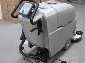 XD650M Auto Scrubber Machine - picture2' - Click to enlarge