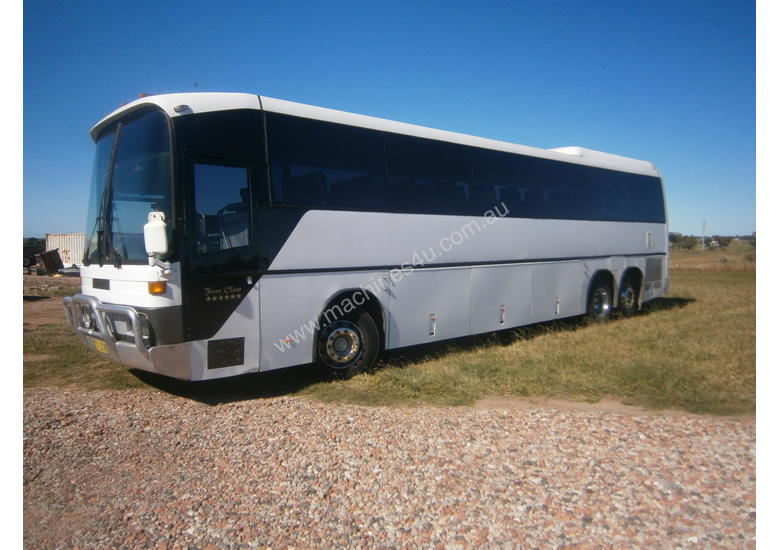 Used 1992 mercedes benz 0303 3 TAG AXLE COACH Coaches in