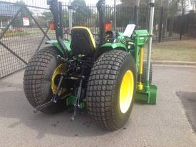 John Deere laser grader tractor hire - picture3' - Click to enlarge