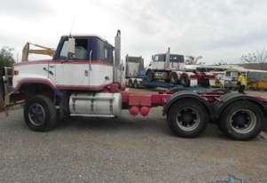 International S2600 Primemover Truck