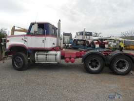 International S2600 Primemover Truck - picture0' - Click to enlarge
