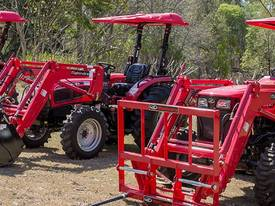 MAHINDRA 8560 4WD TRACTOR - picture3' - Click to enlarge
