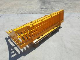 Bobcat / Skid Steer Rock Bucket, Sieve Bucket  - picture3' - Click to enlarge