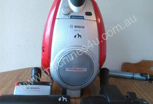 Top Quality Bosch Bagless Vacuum Cleaner Half Price