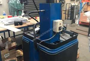 Hydraulic press with 10 tonne pump and cylinder