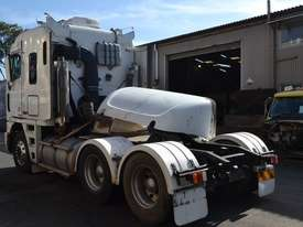 FREIGHTLINER ARGOSY FLH Full Truck wrecking for parts to be sold - Top Quality great value  - picture2' - Click to enlarge