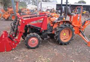 Kubota   4wd with 4 in 1 loader
