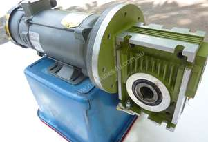 .75 KW DC Motor Electric Reduction Gearbox Drive Baldor Motor Type PM3435P Ratio : 14.5:1 KG : 32