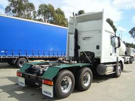 Iveco Powerstar 6400 Primemover Truck - picture2' - Click to enlarge