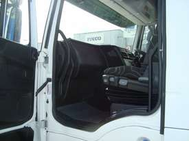 Iveco Powerstar 6400 Primemover Truck - picture6' - Click to enlarge