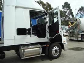 Iveco Powerstar 6400 Primemover Truck - picture7' - Click to enlarge