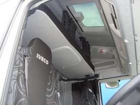 Iveco Powerstar 6400 Primemover Truck - picture9' - Click to enlarge