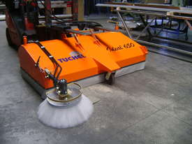 Tuchel Ideal 650 Sweeping machine - picture7' - Click to enlarge