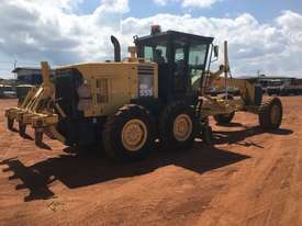 Komatsu GD555-3A Grader - picture3' - Click to enlarge