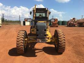 Komatsu GD555-3A Grader - picture4' - Click to enlarge