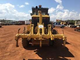 Komatsu GD555-3A Grader - picture6' - Click to enlarge