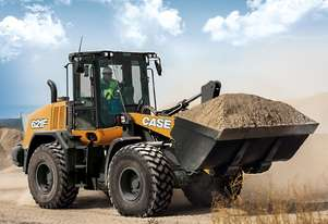 Case   621F WHEEL LOADERS
