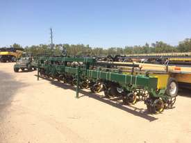 Excel Excel Precision Planter Disc Seeder Seeding/Planting Equip - picture2' - Click to enlarge