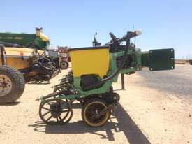 Excel Excel Precision Planter Disc Seeder Seeding/Planting Equip - picture3' - Click to enlarge