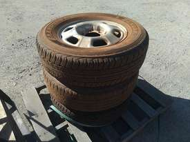 3X Assorted Tyres ON 6 Stud 17 Inch Rims - picture1' - Click to enlarge