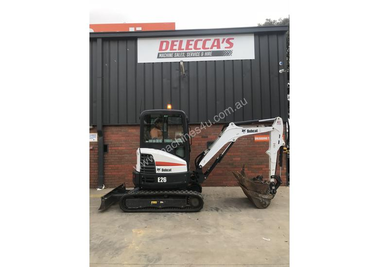 Bobcat E26 Low hours
